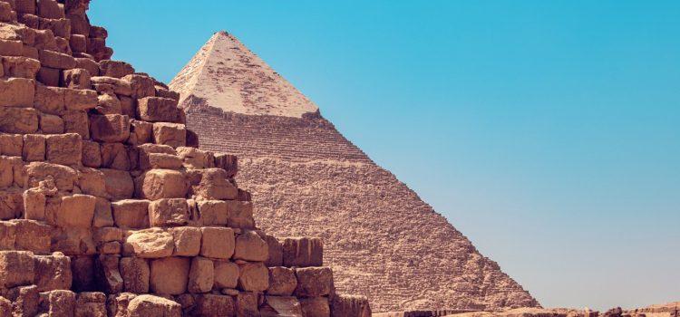 pyramid-construction