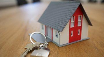 miniature model house with keys