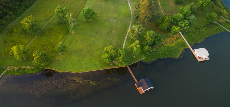 Aerial view of lakeside homes